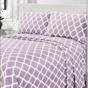 ⭐️SALE⭐️Queen 4pc Lavender Arabesque Bedsheets